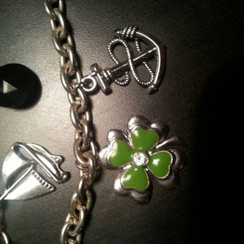 Keychain T/O Link Plus Gold Chain Link & 4 Charms Four Leaf Clover Anchor SailBoat Black Pendant