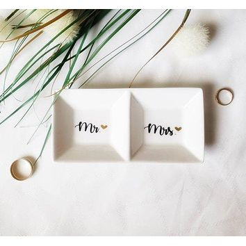 Mr and Mrs Ring Dish / Ring Holder / Customized