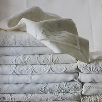 Weekly Favorite: The Book of Fine Linen