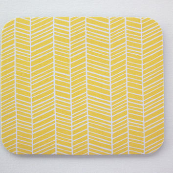Mouse Pad mousepad / Mat - Round or rectangle - herringbone chevron white on yellow