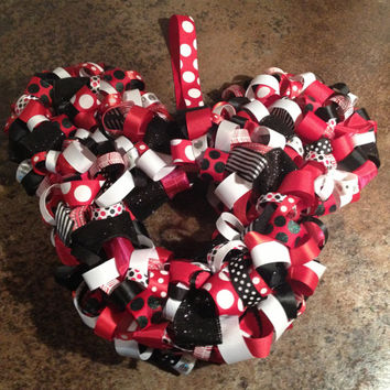 Mickey Mouse or Minnie Mouse Ribbon Wreath.  Great for events & room decor...disney themed showers, weddings, photo shoots, birthdays etc...