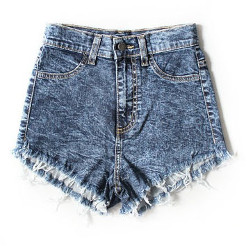 Lola Acid Distressed Highwaisted Shorts (Darkwash)