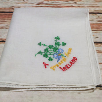 Vintage Hankie Handkerchief . Embroidered Hankie . Souvenir Hankie From Ireland . White Cotton Handkerchief Floral .