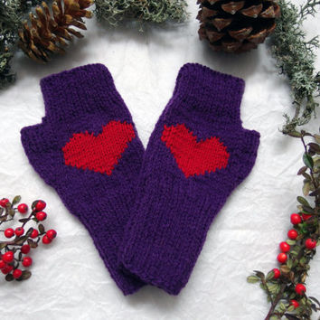 Knit heart gloves, fingerless gloves, purple gloves, hand warmers, knitted gloves, knit wrist warmers, knitted fingerless gloves