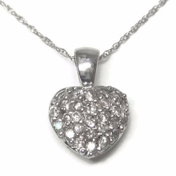 Vintage 14K .25 Ctw Diamond Heart Pendant Necklace