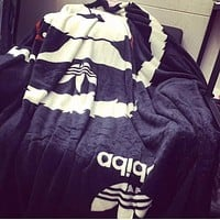 Adidas New Fashion Autumn And Winter Print Keep Warm Travel Blanket Quilt