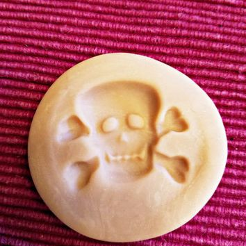 skull cross bones polymer clay mold jewelry making pendant 38mm x30mm halloween gothic crafts