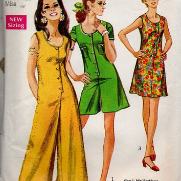 Retro Pantsuit 70s Simplicity Sewing Pattern One Piece Jumpsuit Pantdress Sleeveless Groovy Fashion Bust 34