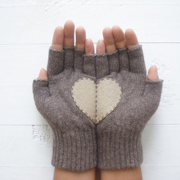 VALENTINE'S Gift, Heart Gloves, Love Gloves, Dark Beige Gloves, Beige Heart, Special Gift, Lover Gift, Holiday Gift, Women, Gift For Her