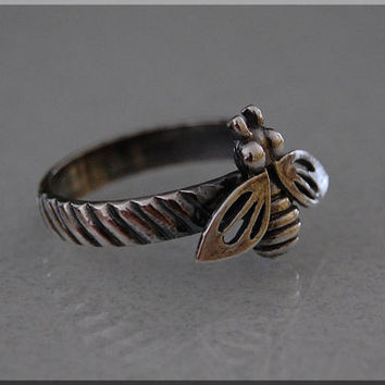 Honey Bee Sterling Silver ring. Insect jewelry, Stacking Jewelry, Bee jewelry, Spring Jewelry, Sterling Silver Ring, Bee Ring
