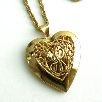 Vintage Heart Shaped Locket Necklace Gold Tone Filigree