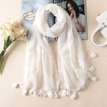 brand 2018 spring summer women scarf fashion white lace silk scarves shawls pashmina bandana female foulard pareo beach