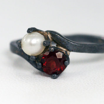 Oxidized Garnet and Pearl Ring Sterling Silver, January And June Birthstone Ring, Oxidized Sterling Ring, Oxidized Garnet Ring