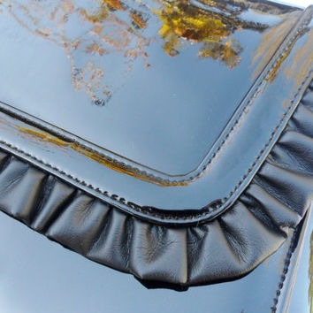 Vintage RUFFLE Patent Leather Clutch Purse / Ande Black Retro Handbag