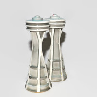 Seattle Space Needle Salt Pepper Shakers - Atomic Space Age - Seattle Exposition Worlds Fair - Made in Japan