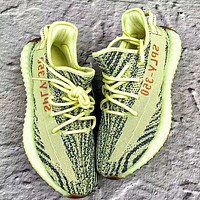 Adidas Yeezy Boost 350 V2 men and women models fashion casual shoes F Yellow