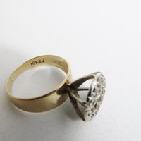 Vintage Ring: 10k Gold with Diamond Cluster