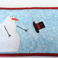Quilted snowman mug rug, winter mug rug, snowman snack mat, quilted winter mug rug.
