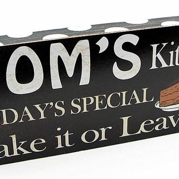 Mom's Kitchen & Dining Plaque