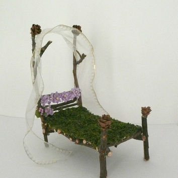 Fantasy Fairy Bed - Dollhouse Bed for Woodland Princess - Fairy Garden Furniture - Waldorf