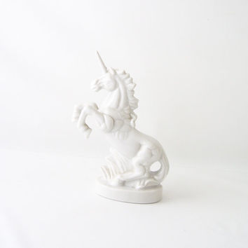 vintage porcelain unicorn white figurine figure fantasy collectible bone china retro modern decoratie home decor woodland prancing statue