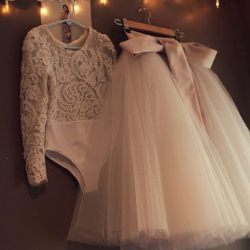 Top Sale Lace Leotard and Champagne Ivory Tulle Skirt Long Sleeve Flower Girl Dress 2017 Newest Vintage Girls Dresses