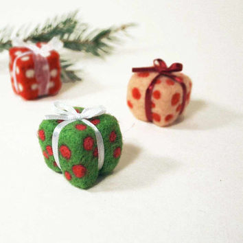 Felted Christmas ornament - holiday decor - set of  3 gift boxes  - needle felted gift box - budet friendly gift