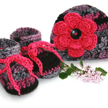 Baby girl booties hat set hot pink camo black gray crochet with flower and button accent newborn photo shoot. 0 - 3 months