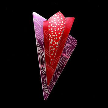 Dotted Red and Fuchsia Triangle Aluminum Magnetic Non Piercing Brooch