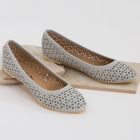 Free Choice Perforated Shoe
