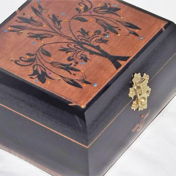 Beautiful. Hand Made, Solid Wood intricate diamante tree jewellery box, trinket box or storage box. Can be personalised. Black, Rose, Oak