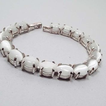 White Imitation Cats Eye Vintage Bracelet, Silver Tone Link, Snap Lock Clasp, Retro 1970s 70s