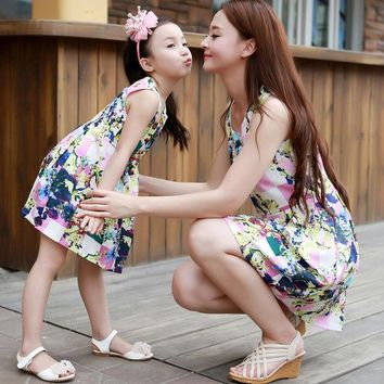 DCCKWQA Matching Mother Daughter Clothes Fashion Family Outfits  Mom Girl Dress Mommy Me Summer Fashion Floral Print Sleeveless Dresses