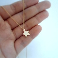 cute twinkle star cahrm on fine gold plated chain necklace