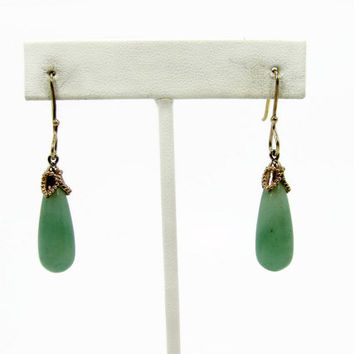 Sterling Silver Jade Earrings, Light Green Jade, Dangle Earrings, Vintage Jewelry, Pierced Ears, Vintage Earrings, 925 Silver