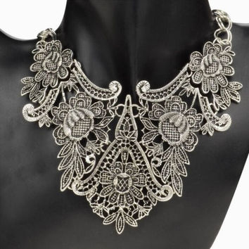 Vintage Silver Plated Flower Hollow Statement Bib Choker Chain Pendant Necklace = 1946913732