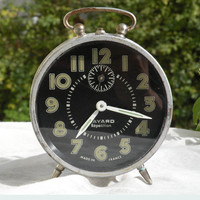 French vintage alarm clock. Bayard mechanical alarm clock, Réveil Bayard, Bayard clock, vintage clock, alarm clock, art deco, black clock