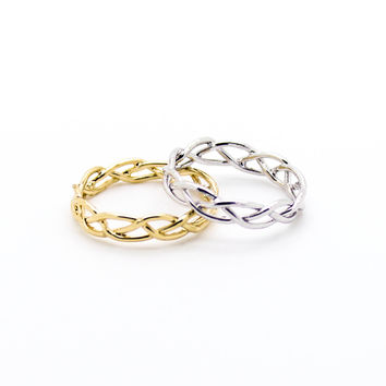 Woven knuckle, midi ring
