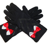 Ladies Black Winter Gloves with Pleather Dart Decor and Bow