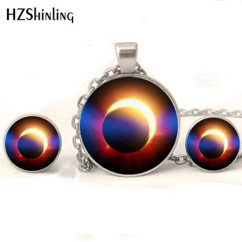 NR-006 New Fashion Solar Eclipse Jewelry Set Moon and Sun Science Necklace Silver Earrings Round Glass Lunar Eclipse Necklace