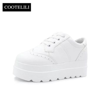 COOTELILI35-39 Spring Casual Flats Women Shoes Solid Carved British Ladies Shoes Preppy Round Toe Lace-Up Platfoems Brogue Shoes