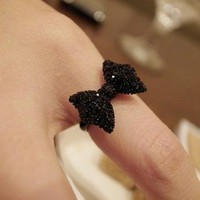 Black Bead Ring