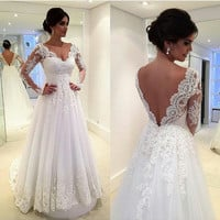 A Line Wedding Dresses 2017 Sexy V Neck  Long Sleeve Backless Sweep Train Tulle and Lace Custon Made Bridal Gown Dress Romantic