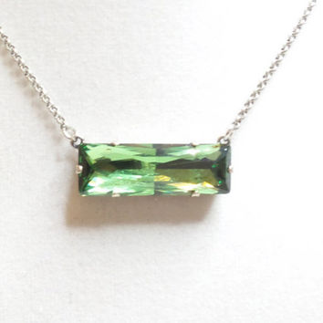 SWAROVSKI CRYSTAL NECKLACE, baguette, green, bar necklace, popular