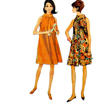 "60s Easy to Sew Loose Fitting Tent Dress Pattern Rolled Collar Sleeveless McCalls 8826 Sewing Patterns Size 10 12 Small Bust 31"" to 32"""