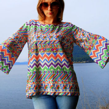 70s Bell Sleeve Top Chevron Ethnic Geometric Shirt Blouse Medium - Large Hippie Boho Chic // Psychedelic Acid Queen // Abstract Shapes