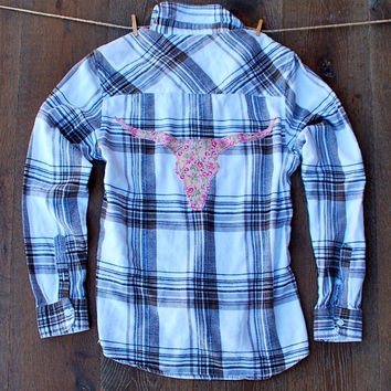 Boyfriend Flannel Dazzle Y'all Flannel Shirt with Floral Longhorn Patch and Lace Pocket Bull Skull Taxidermy Texas Longhorn