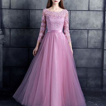 Blushing Pink Lace Tulle Long Modest Bridesmaid Dresses With 3/4 Sleeves Corset Back A-line Floor Le