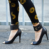 FOREVER 21 Rebel Peep-Toe Pumps Black 5