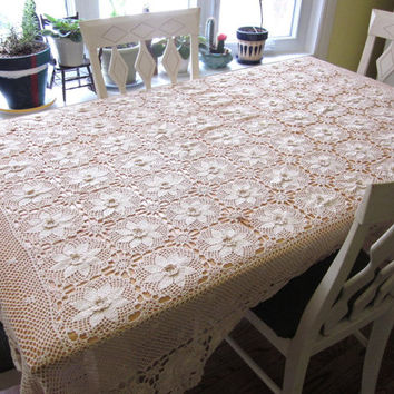 Vintage Crochet Tablecloth / Bed Spread - Ecru Rectangle